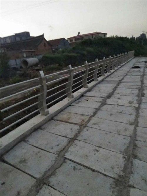 保山不锈钢桥梁防撞护栏专业生产厂家
