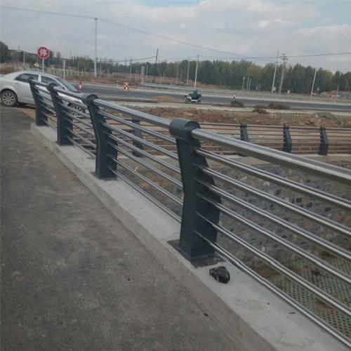 玉溪不锈钢复合管护栏哪里有