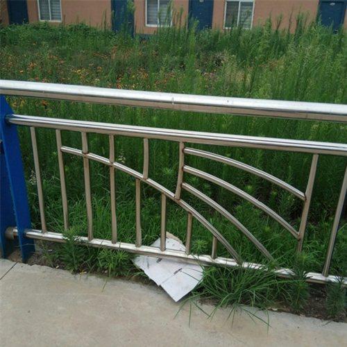 许昌不锈钢复合管护栏