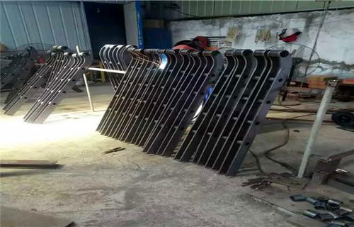 山东201不锈钢复合管栏杆欢迎来电考察