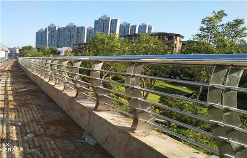 碳素笔城市风景画