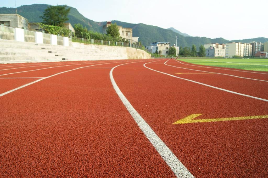 松江400米塑胶跑道生产厂家设备齐全