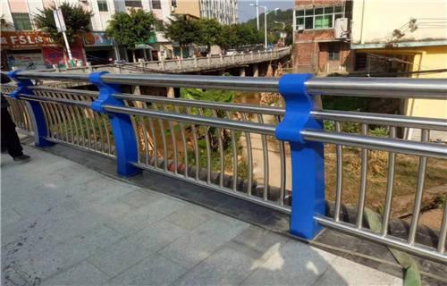 鹤岗不锈钢复合管护栏实力厂家