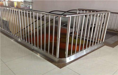濮陽專業生產不銹鋼復合管廠景觀護欄