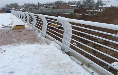 濮陽生產銷售橋梁防撞護欄 節約成本
