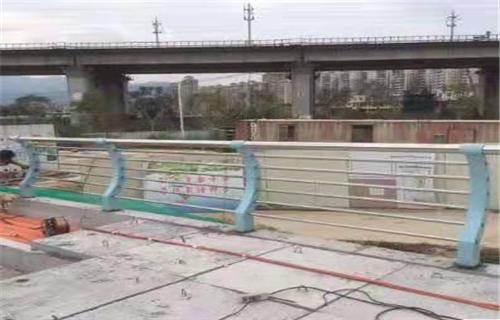 南昌不锈钢复合管桥梁扶手业内视点