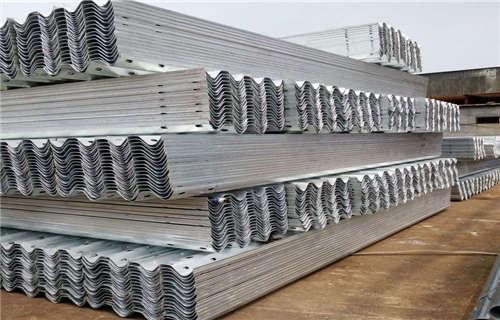 锡林郭勒省级道路护栏板一米好多钱
