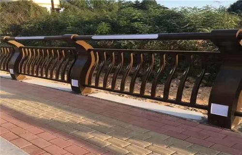 新报价:三门峡防撞护栏报价防腐蚀性好