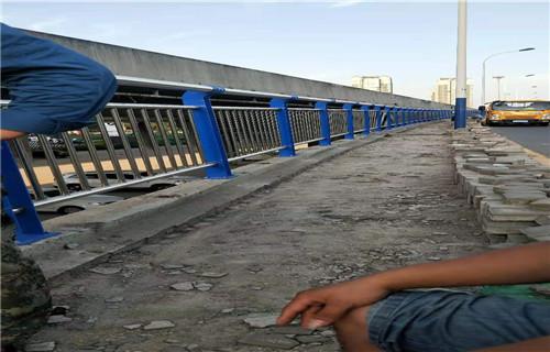 滨州不锈钢复合管护栏来图来样定制