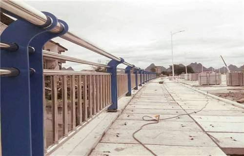 日喀则不锈钢桥梁景观护栏质量过硬