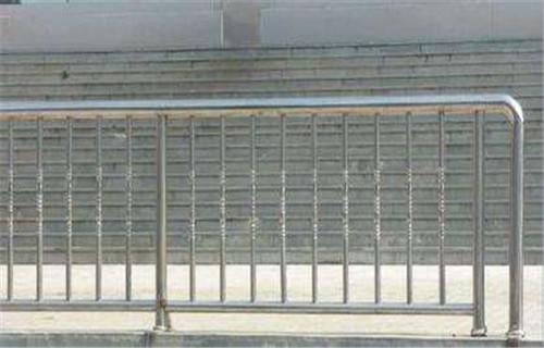 廊坊城市道路護欄抗壓性強