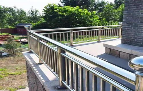 隨州橋梁防撞護欄銜接方便