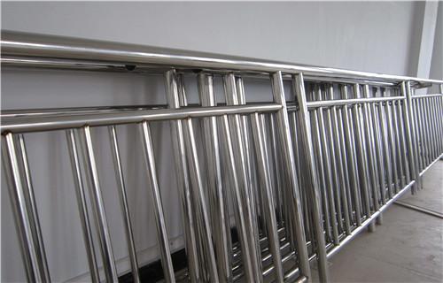 克拉瑪依市政建設欄桿抗沖擊性好