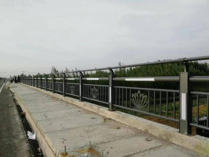 龙岩河道护栏施工方案
