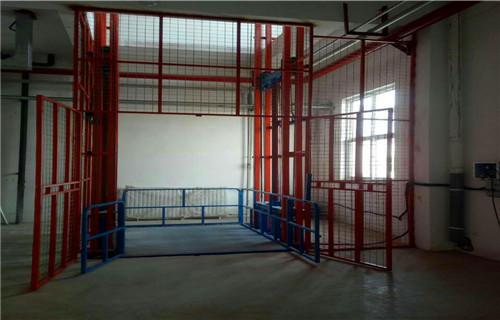 北京1吨2吨3吨电动货梯导轨货梯生产商