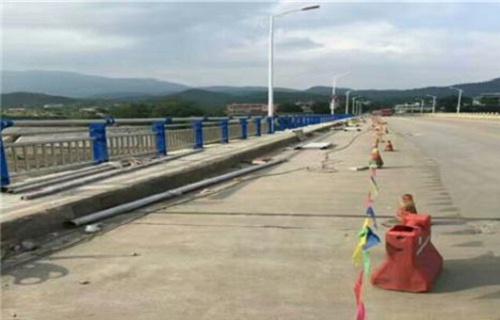秦皇岛不锈钢复合管桥梁护栏生产基地