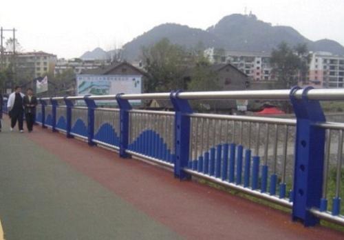 昭通桥梁护栏每米价格