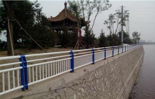 惠州不锈钢复合管桥梁栏杆厂今日报价