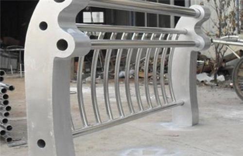 钦州不锈钢复合管桥梁栏杆厂价格咨询