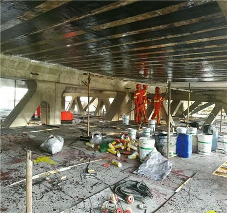 粘贴碳纤维布在桥梁养护维修中的应用